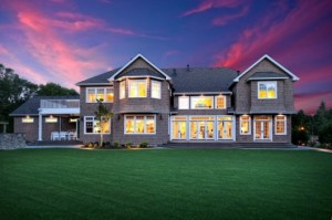 Beautiful-windows-for-traditional-exterior-530x352